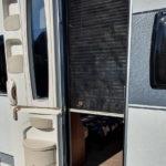 Zweigeteilte Türe beim Hobby Caravan 495 UL vor 2017